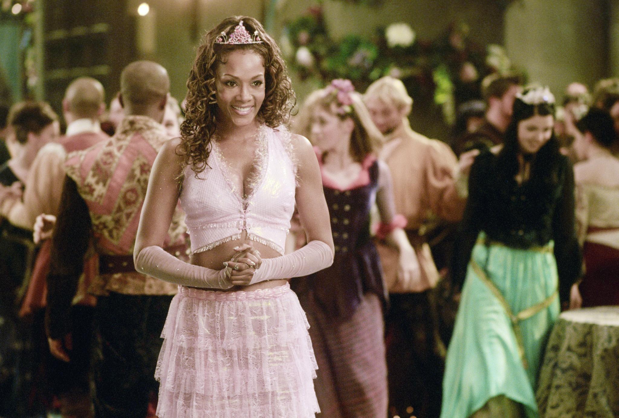 Still of Vivica A. Fox in Ella Enchanted (2004) http://www.movpins ...