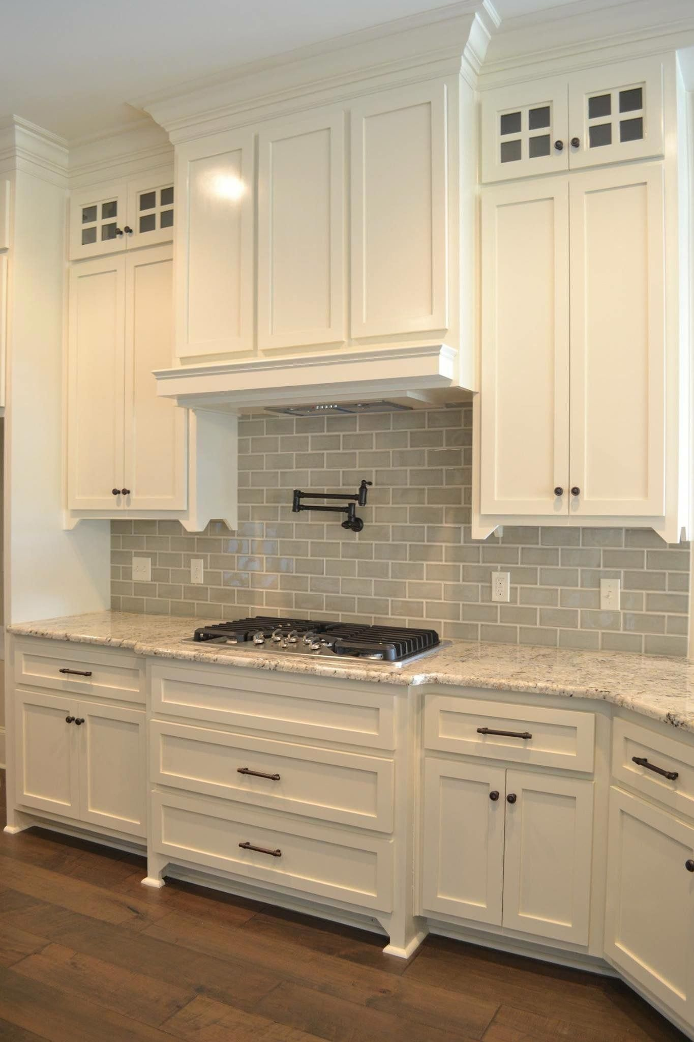 30+ Inexpensive White Kitchen Cabinets Decor Ideas To Try