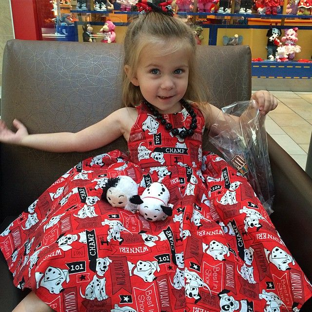 What else would I wear to go get my 101 Dalmatians tsum tsums? ❤️