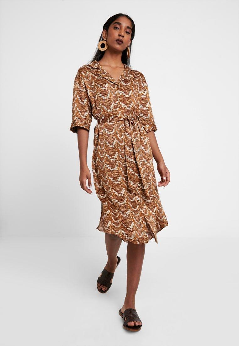 9cd0835ccf MAGGIE DRESS - Sukienka koszulowa - brown beige   Zalando.pl 🛒 w ...