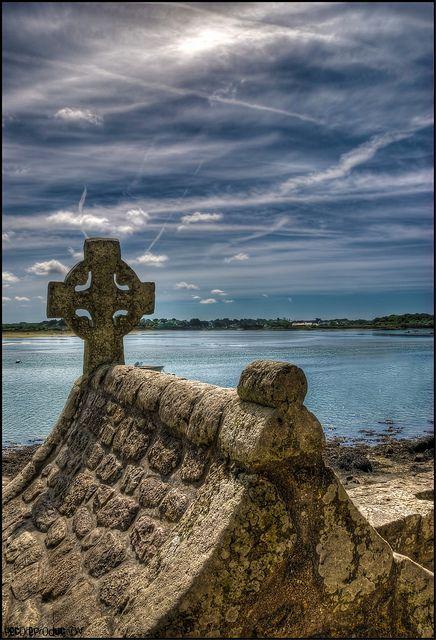 Petite chapelle à Saint-Cado sur la rivière d'Etel. Morbihan, Bretagne.