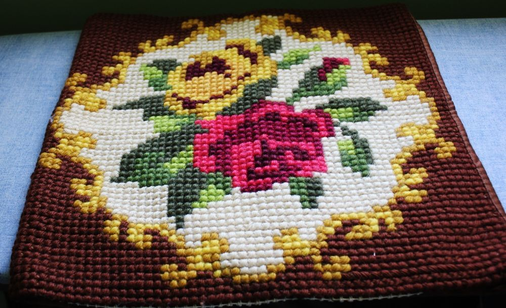 Vintage Handmade Needlepoint Tapestry Roses Completed Cushion Cover