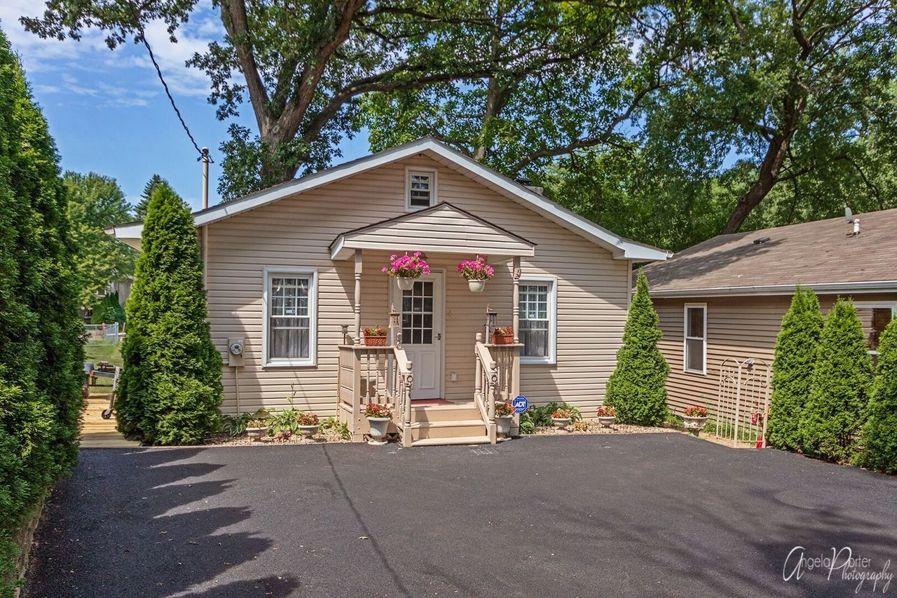 See This Home On Redfin 39456 N Circle Ave Antioch Il 60002 Mls 10425901 Foundonredfin Outdoor Structures Redfin Antioch