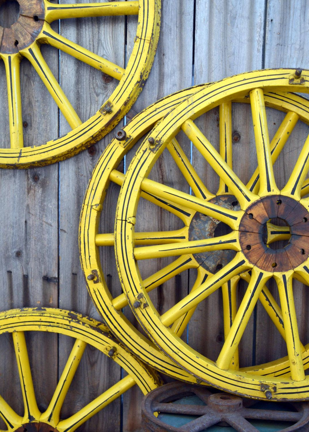 4 Vintage Rare Hand Painted Traveling Carnival Wagon Wheels Etsy Wagon Wheel Vintage Cart Hand Painted