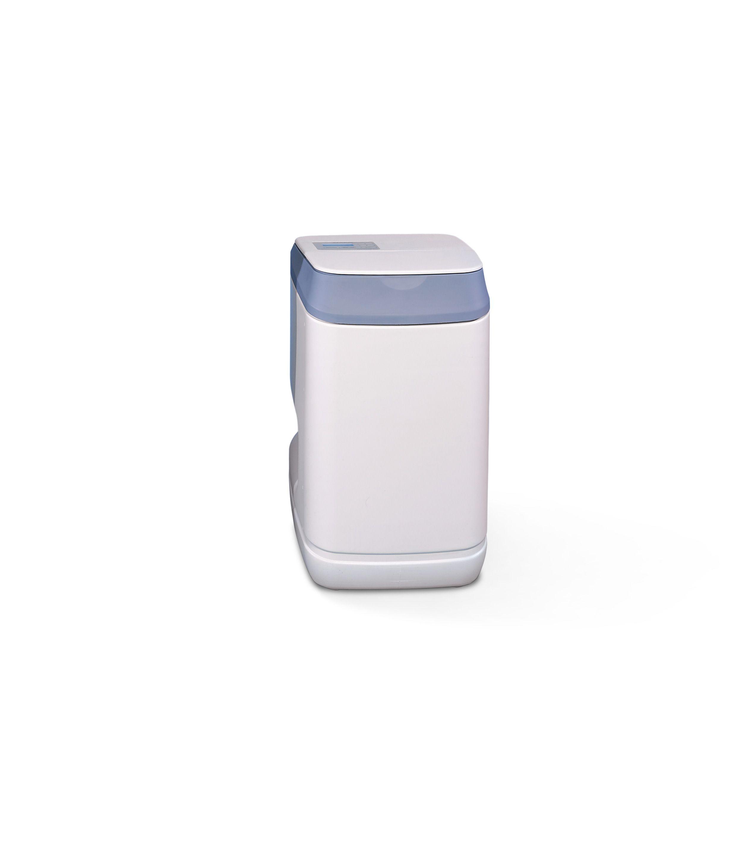 PRIMESOFT COMPACT 9 - ADDOLCITORE D'ACQUA  Gli addolcitori sono apparecchi in grado di abbattere la durezza dell'acqua, riducendo il contenuto di Magnesio e Calcio che incrostano tubazioni, caldaie ed elettrodomestici. PrimeSoft COMPACT 9 per il gradevole aspetto e le dimensioni ridotte è adatto all'installazione sotto lavello o altri spazi limitati.
