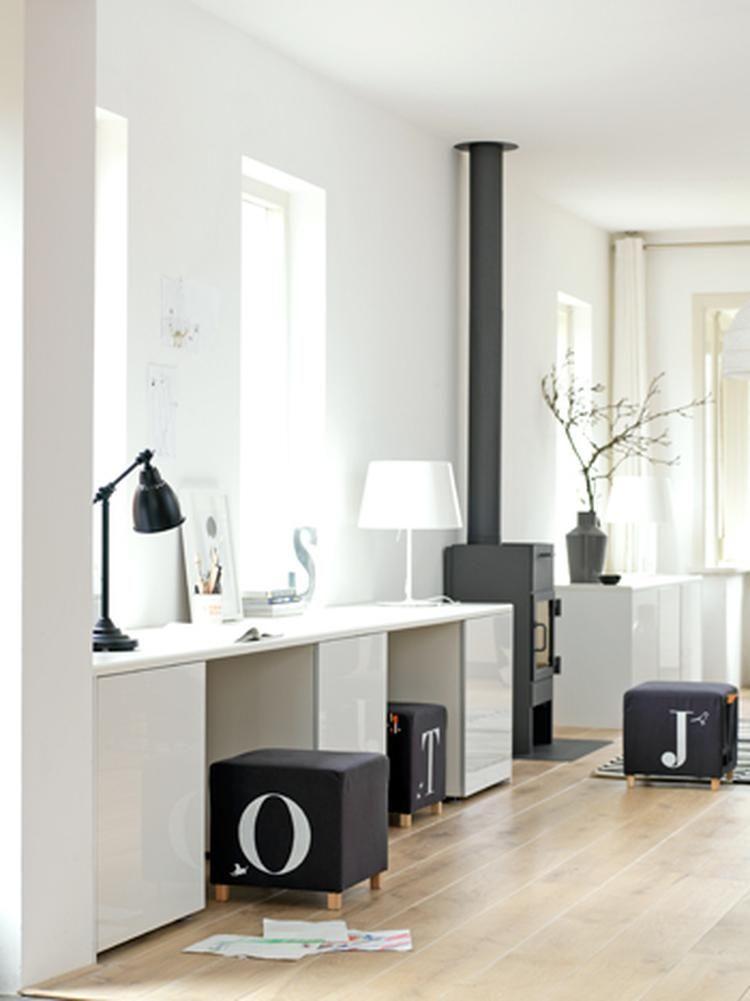 Foto: Opberg en werkplek voor speelgoed in woonkamer. Geplaatst ...