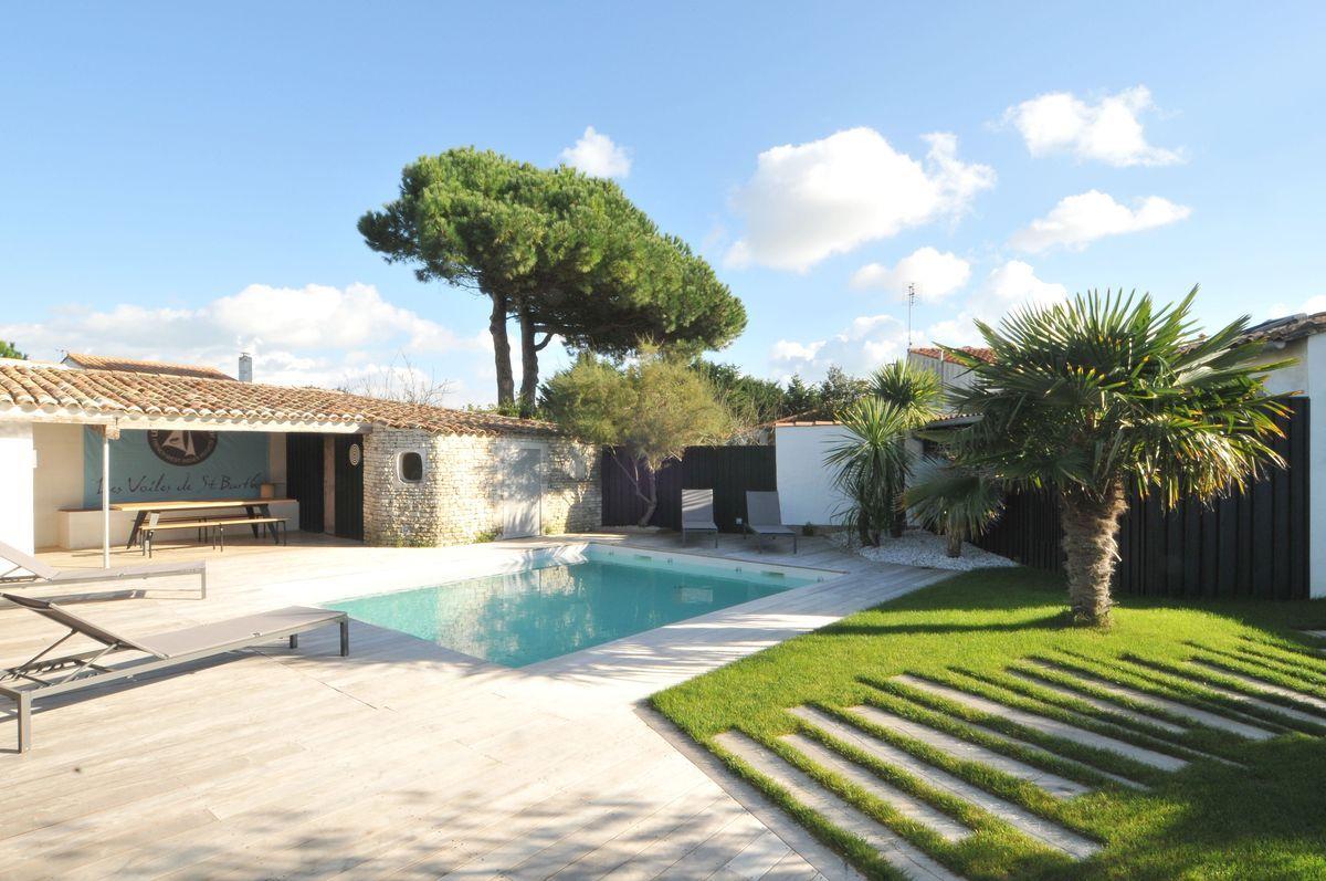 Grand Location De Vacances Le Bois Plage En Re Villa Avec Piscine N°0301  Disponible Belles Idees