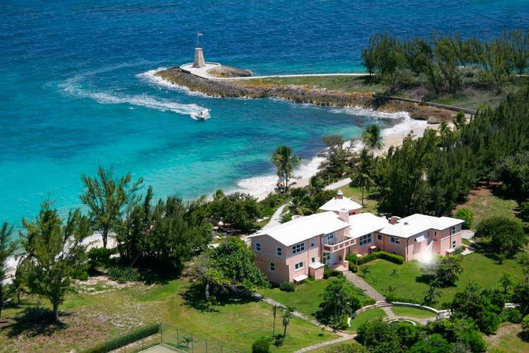 Little Whale Cay, Bahamas Villa. Rent your own private Island for you and up to 10 other guests. Private chef, spa, excursion guides.  The holiday of a lifetime.