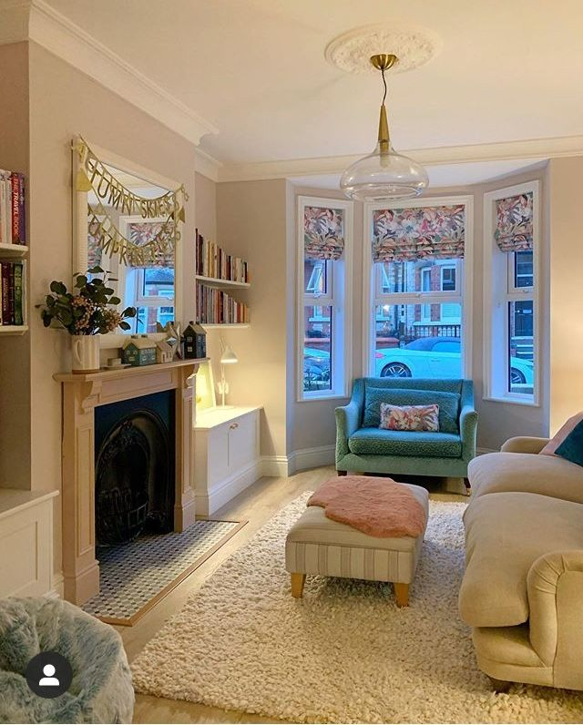 Pin By Emily On Living Rooms Cosy Living Room Cottage Living Rooms Victorian Living Room