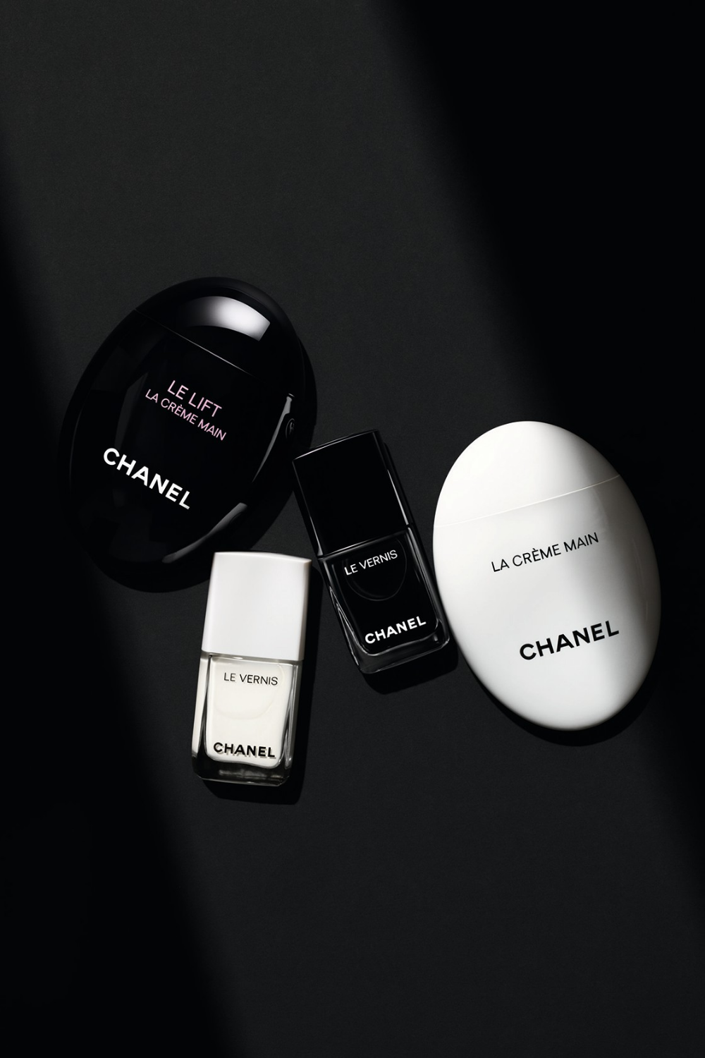"Chanel's Fall 2019 ""NOIR ET BLANC"" Makeup Collection Is"