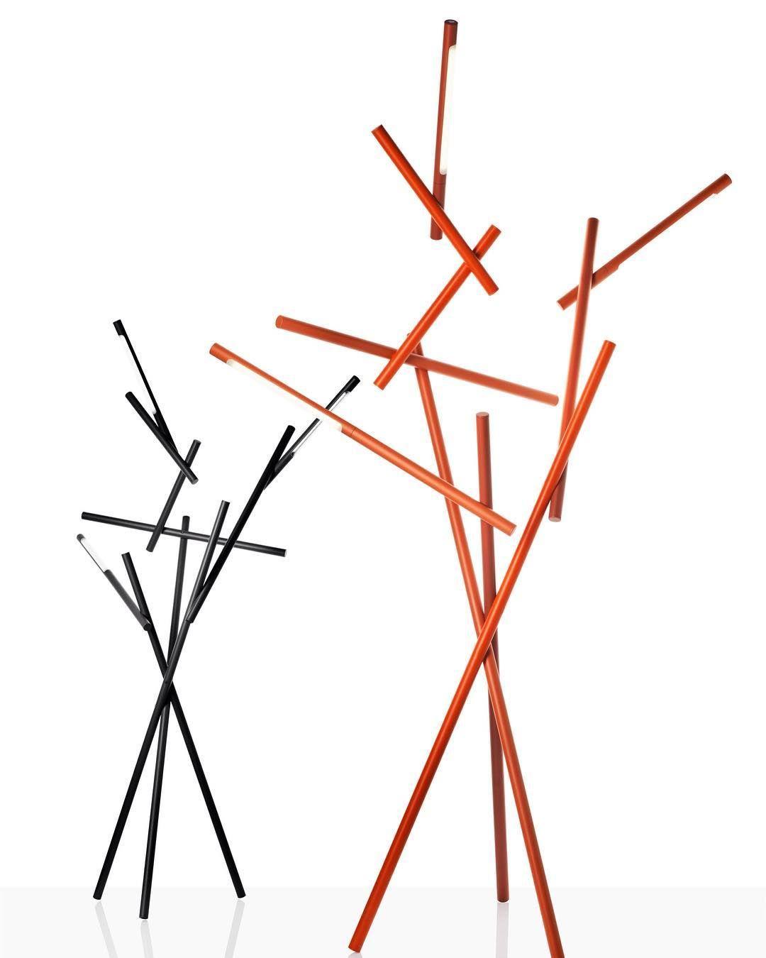 The Tuareg lamp by @ferrucciolaviani for @foscarinilamps creates a  brilliant branch-like array adding a playful & sculptural e…   Lamp design,  Floor lamp, Foscarini