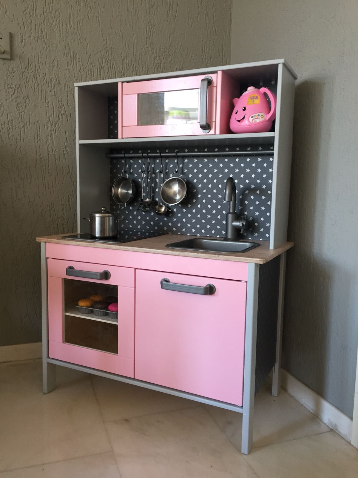 ikea duktig keukentje pimpenikea kids kitchen duktig makeover childrens kitchen inspired by blog. Black Bedroom Furniture Sets. Home Design Ideas