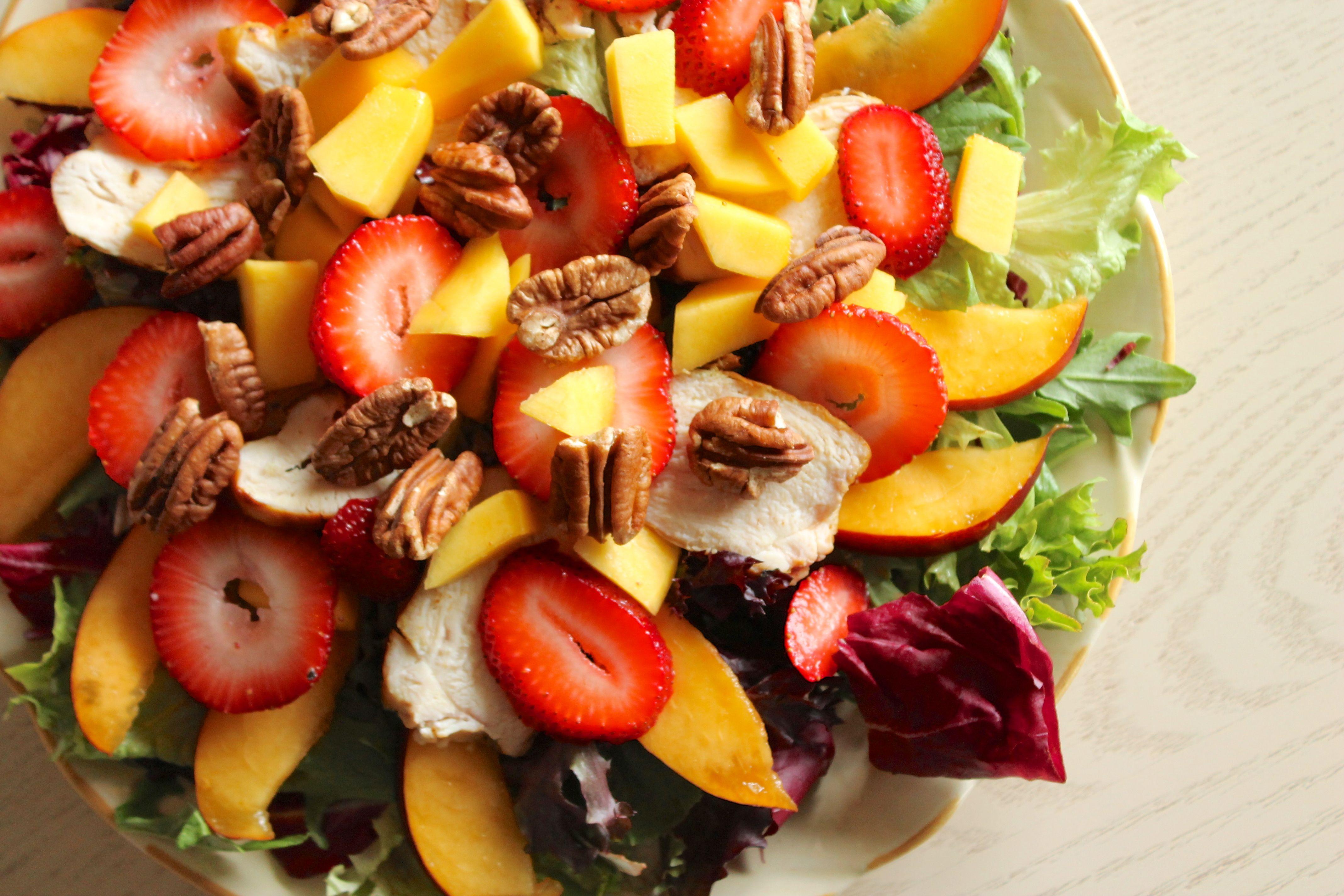 Mango Chicken Salad | Stephie Cooks #chicken #ingredientchallenge
