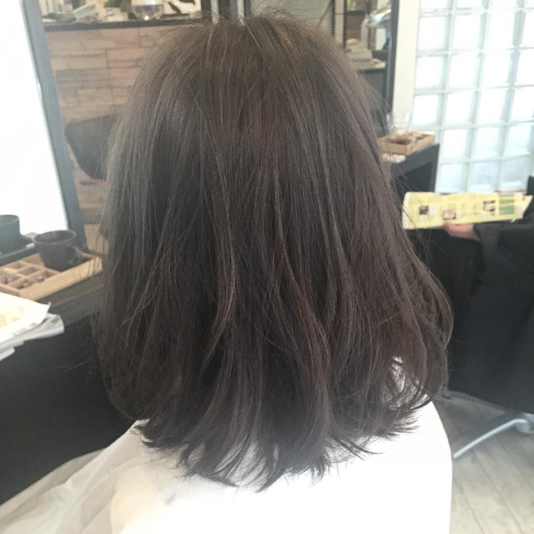 白髪が多い方必見 これからは明るめのアッシュグレーでお洒落れカラー