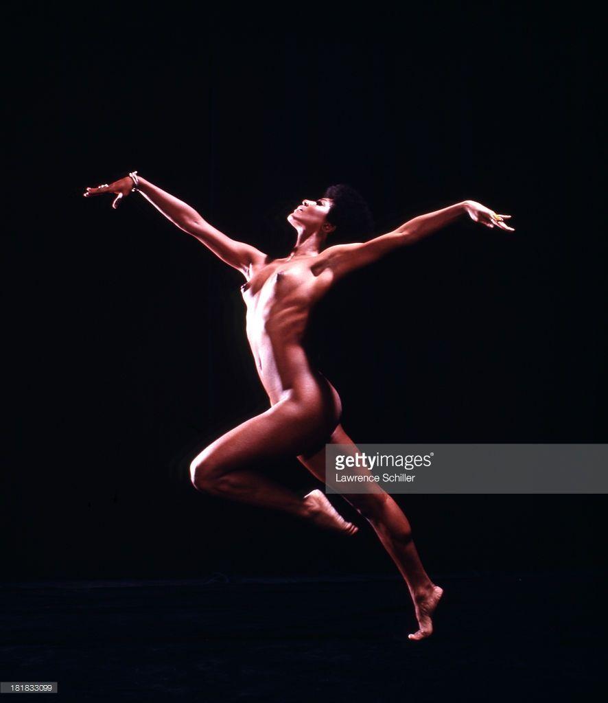 Studio-Portrait-Of-American-Dancer-And-Actress-Paula-Kelly -4243