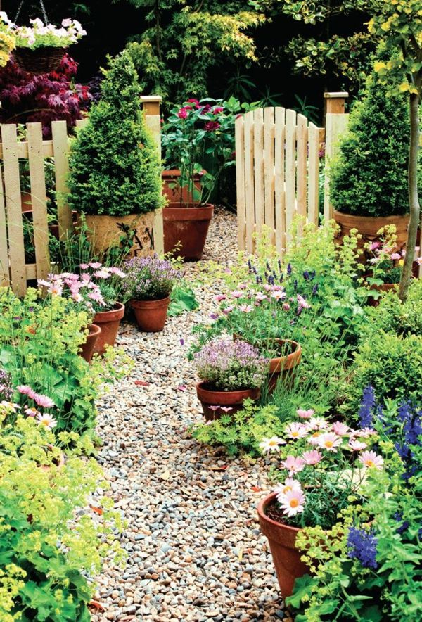 garten selbst gestalten gartenzaun kieselsteine Garten Pinterest