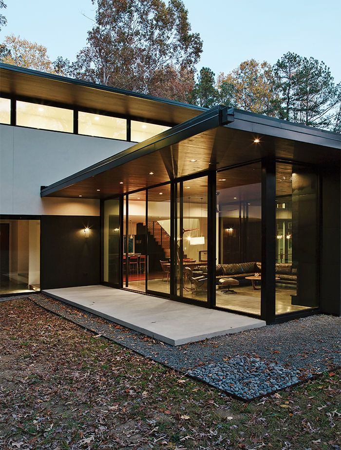 Modern Home In North Carolina With Western Window Systems Walls