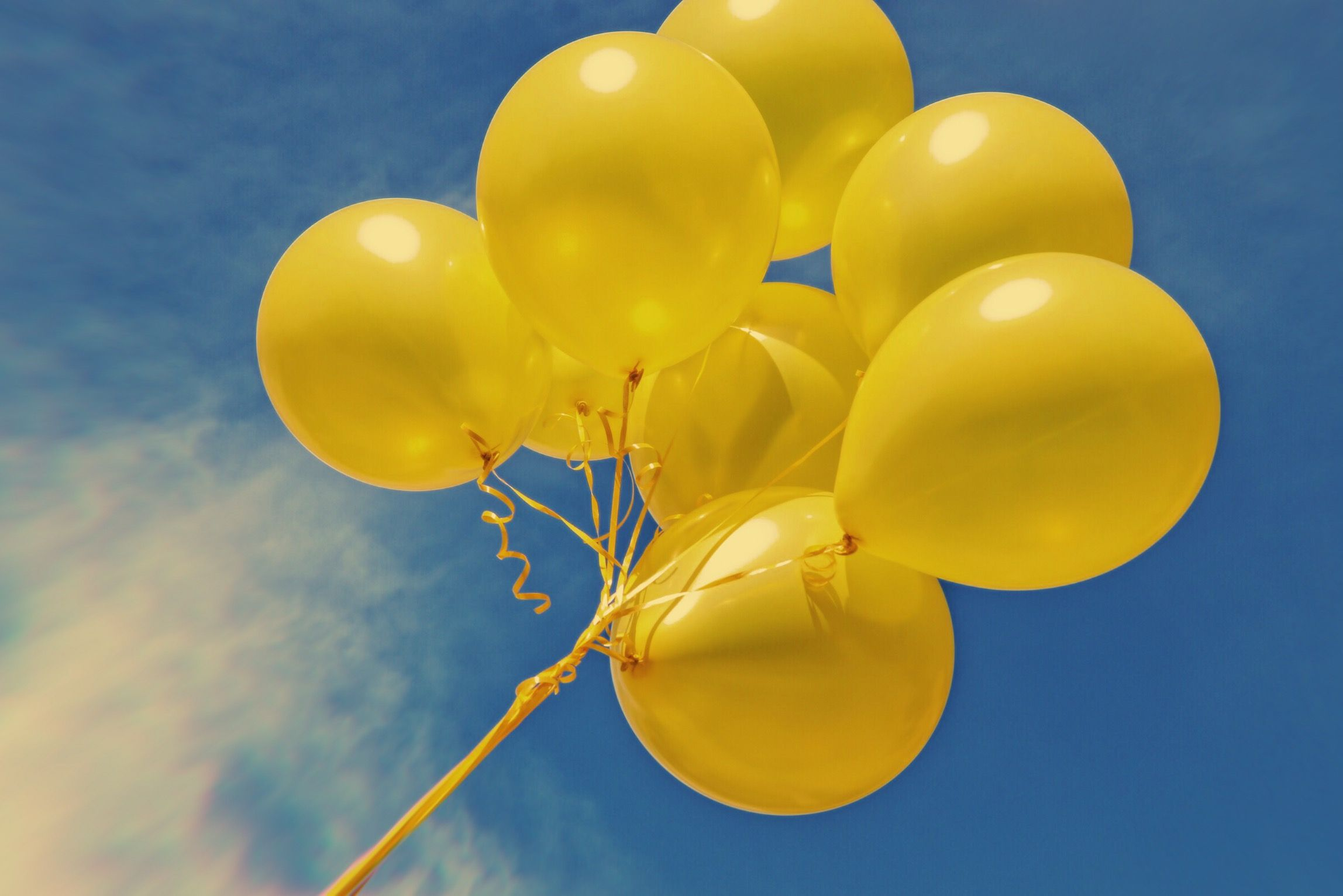 Yellow balloons aesthetic Yellow balloons, Balloons