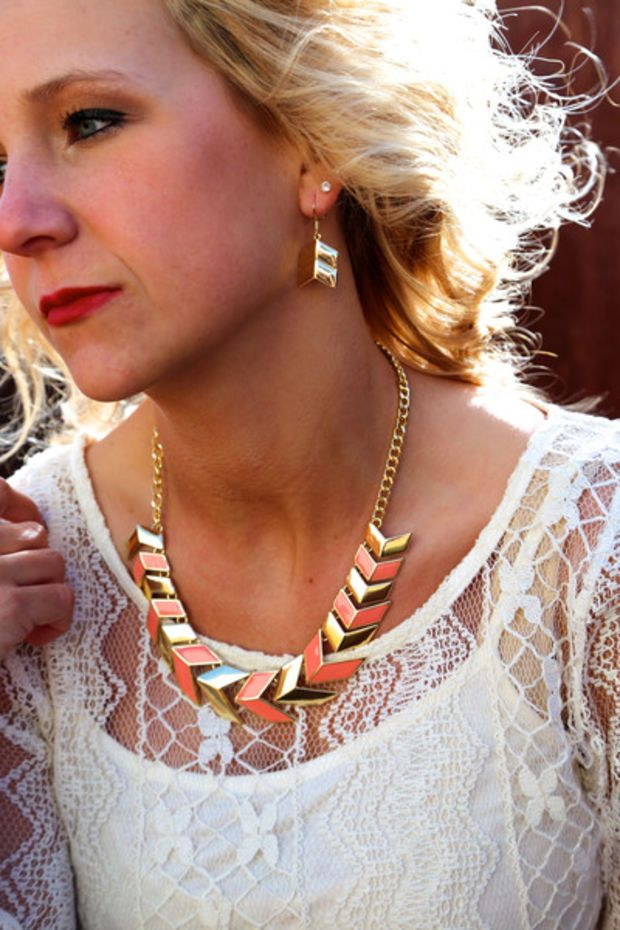 Have It Your Way Necklace {Peach/Gold}