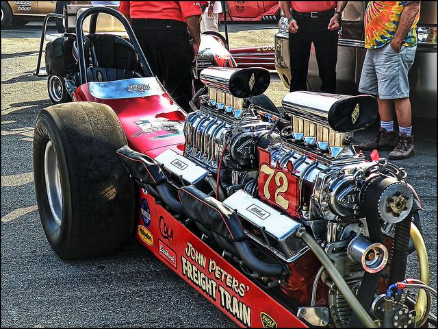 Dual Engine Top Gas Dragster Freight Train Drag Racing Cars