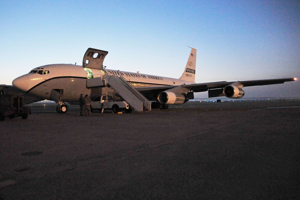 Oc 135b Open Skies Military Com Open Sky Aircraft Maintenance United States Air Force
