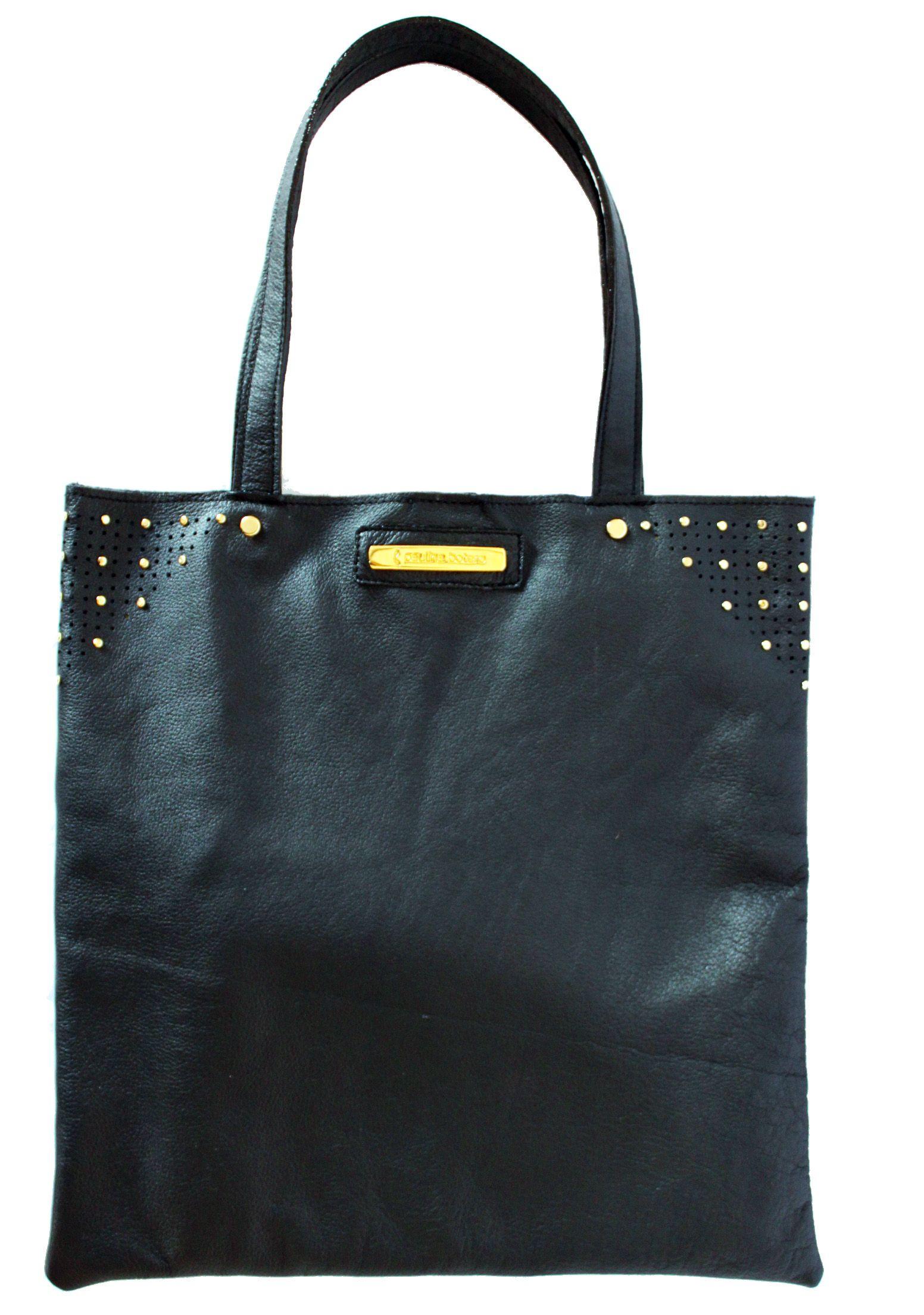 Black flat bag. By Paulina Botero