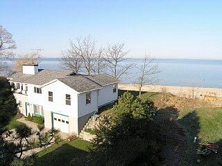 Lakeshore Blue Beach Cottage On Private Lake Michigan