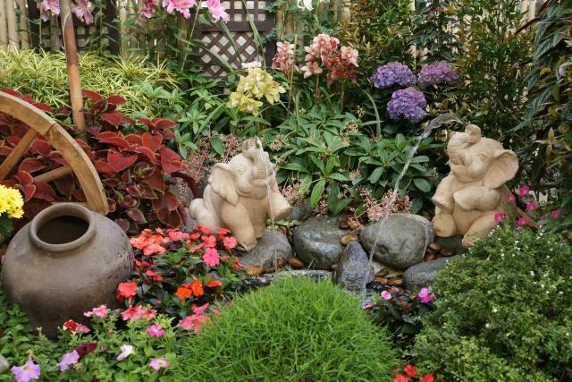 Jardim Tropical Residencial Fotos E Dicas Jardim Decorado Tropical Garden Design Backyard Garden Layout Garden Art