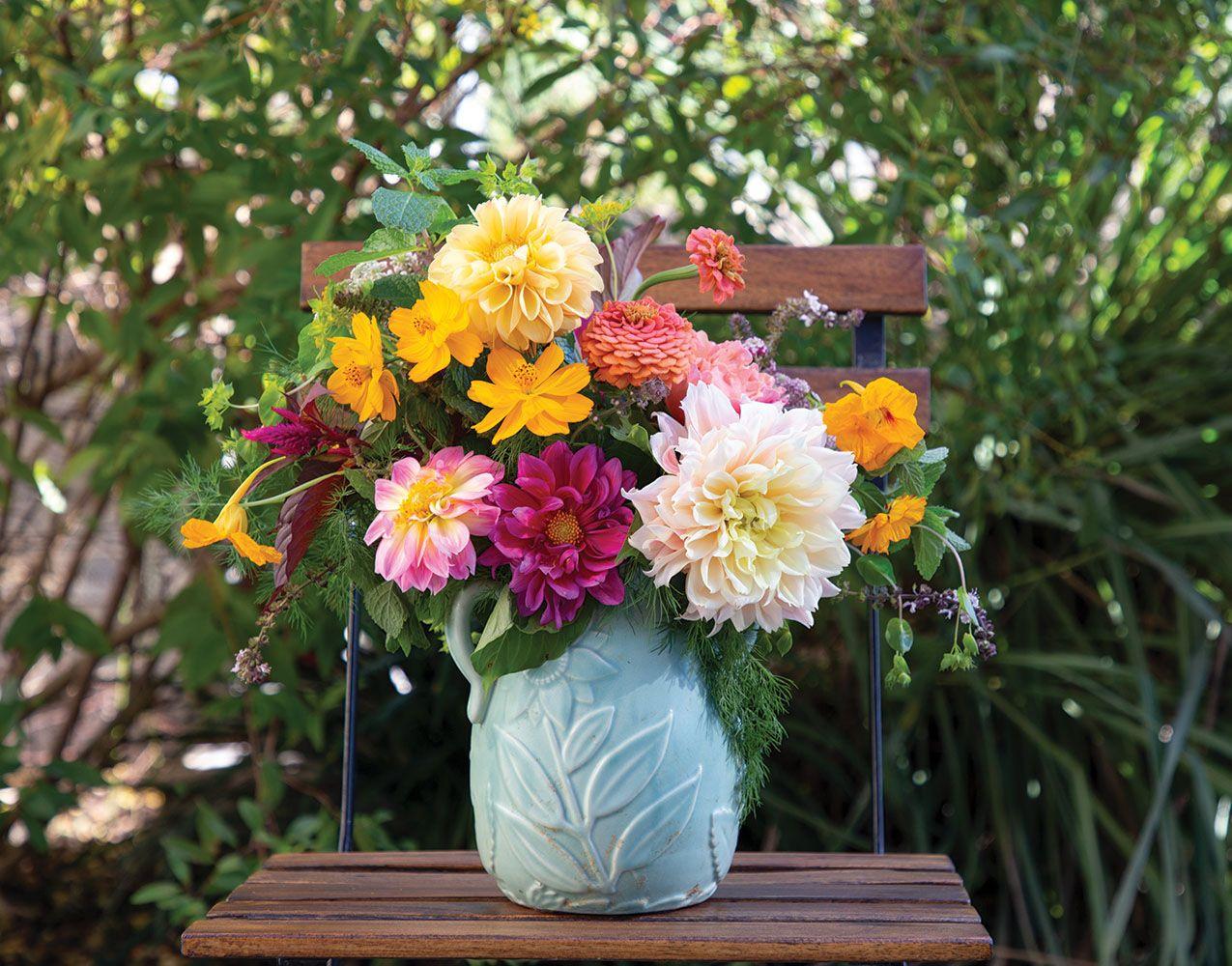 Our Favorite Dahlia Arrangements In 2020 Dahlia Flower Arrangements Flower Arrangements Dahlia Flower