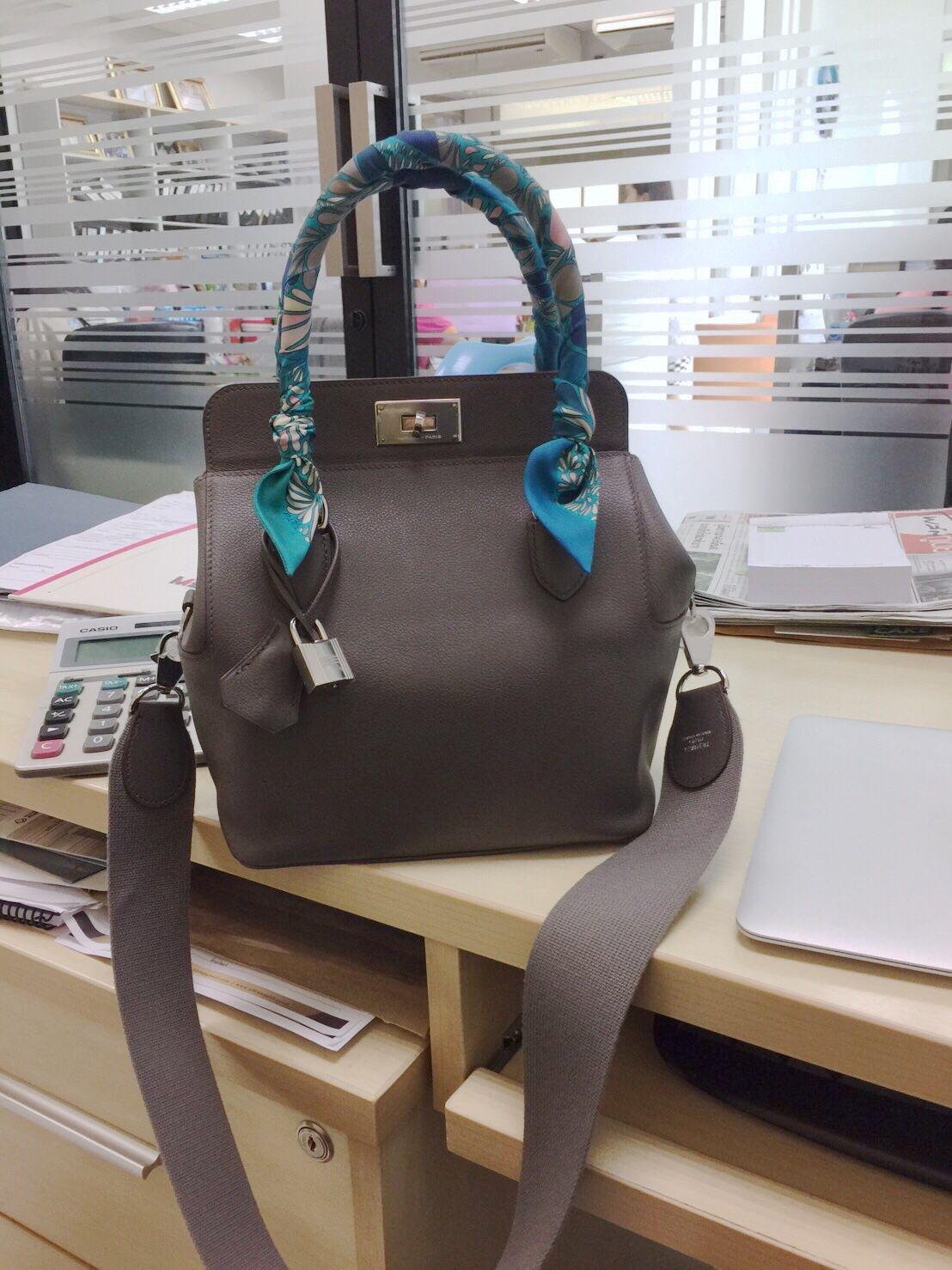 f72b9f9e9d5e  Hermes Toolbox 20 Etain Evercolor Hermes Bags