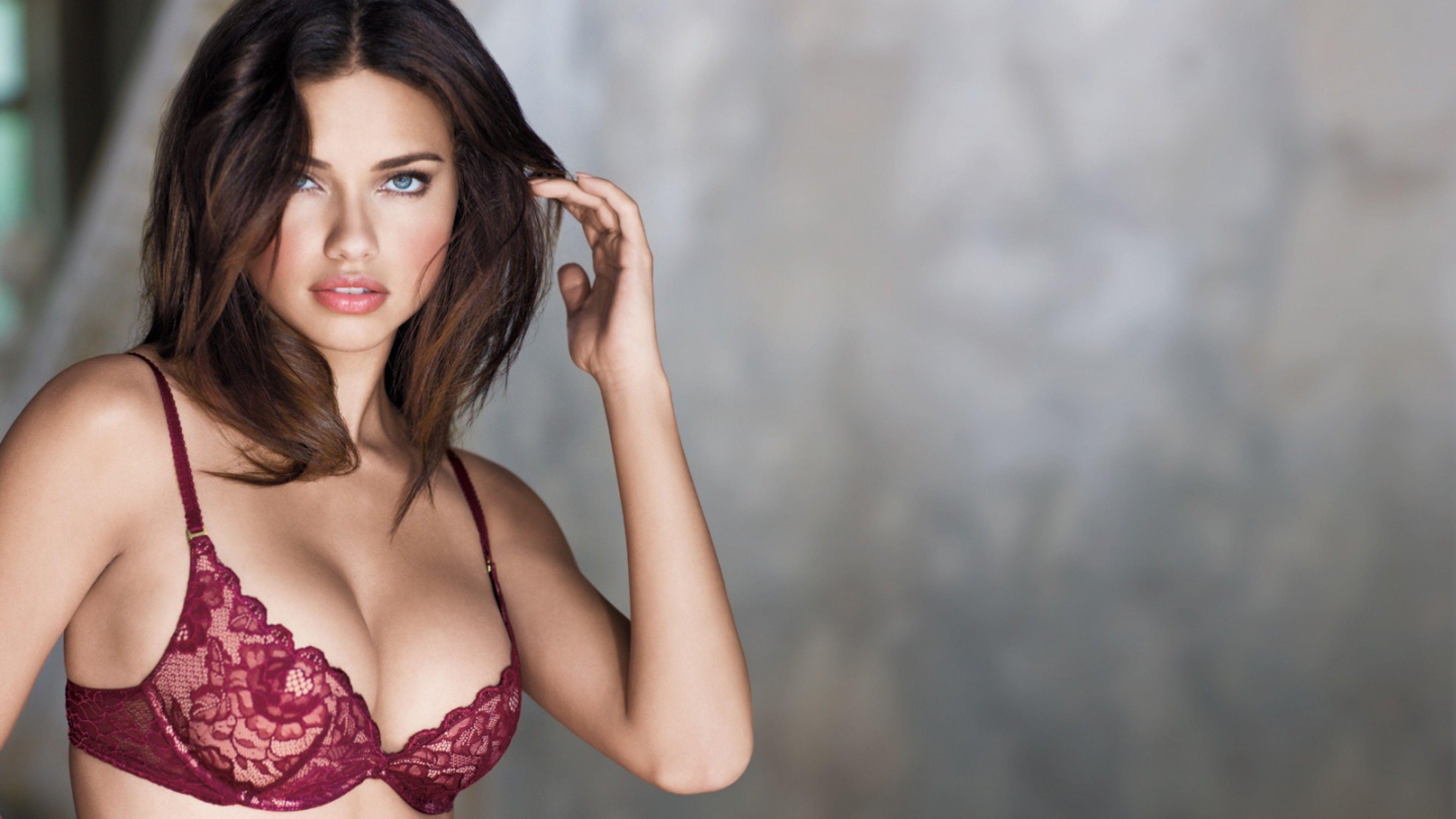 Adriana Lima...