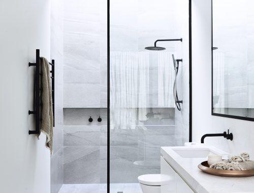Luxe Badkamer Interieur : Comfortabele luxe badkamer door architectenbureau canny interior