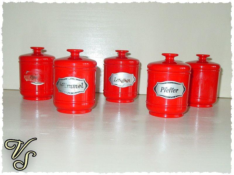 5 Emsa Dosen - Dosenset - 70er - rot - Vintage - Gewürzdosen. Von vintageschippie bei DaWanda.
