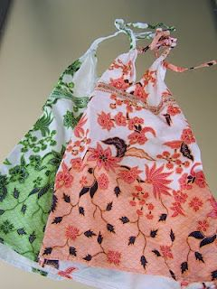 Creating my way to Success: Sundress upcycle to shoulder bag