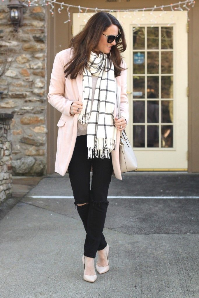 972872e5747 Nude heels outfit idea. Perfect winter style.