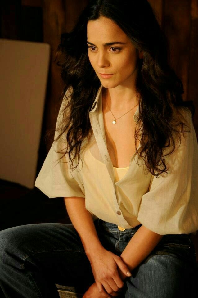 Alice Braga Alice Braga In 2019 Alice Beautiful Actresses