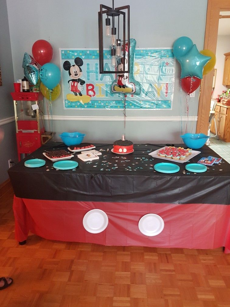 Mickey Mouse Birthday Cake Table Setup