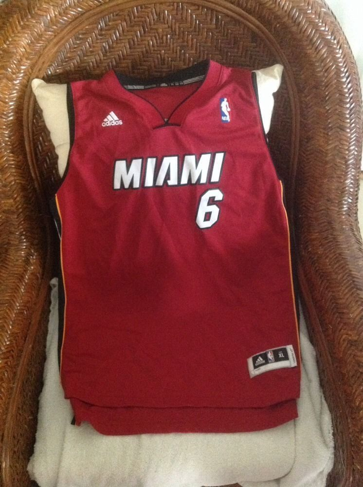 Lebron James Miami Heat  6 Adidas NBA Jersey Size XL Youth in Sports ... 2fff140ce