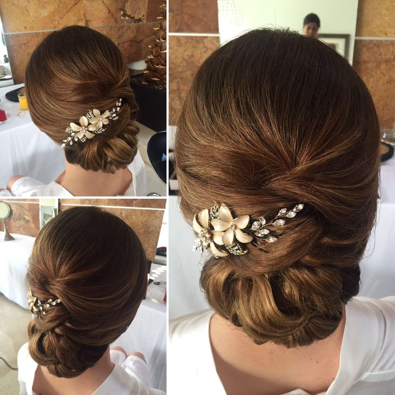 Diversión y halagos peinados con peinetas Imagen de cortes de pelo consejos - Bride to be. Peinado recogido para novia con peineta ...