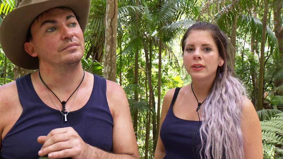 Dschungelcamp Tag 2 Der Mann Mit Der Roten Hose
