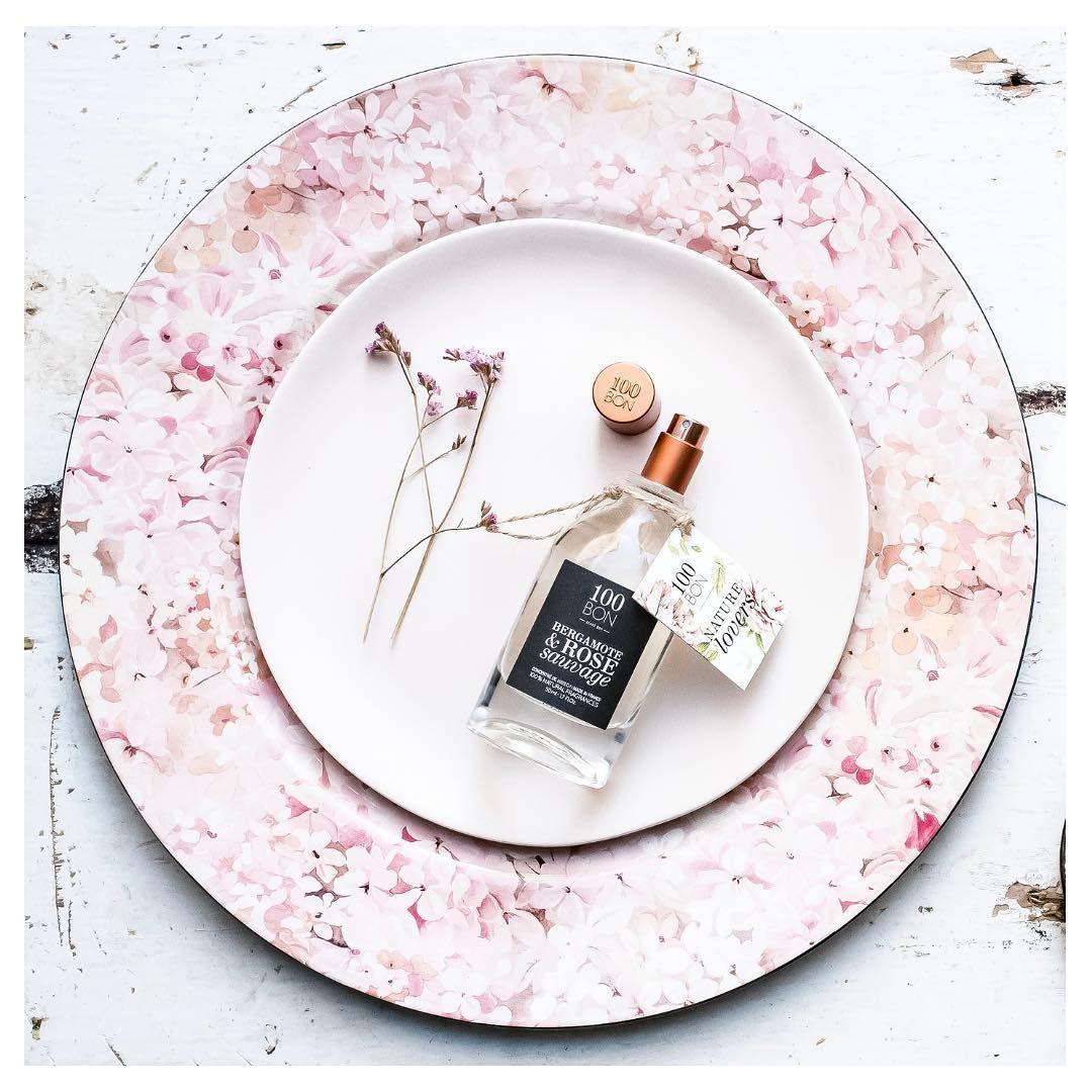 Bergamote Rose Sauvage Swieze Nuty Kwiatowe Lekkie I Lagodne Dla Bardzo Eleganckiego Efektu Nuta Glowy Werbena Cytrynowa Cytryna N In 2020 Tableware Plates