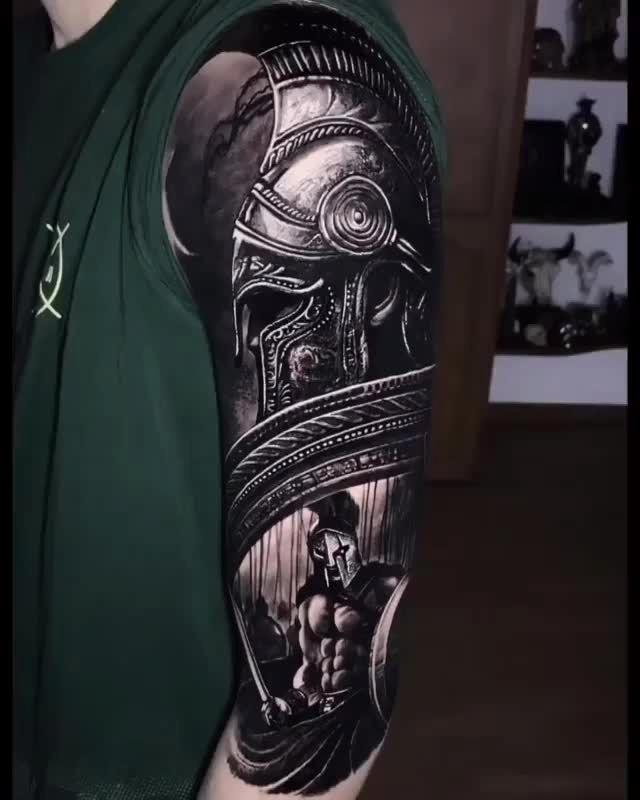 ?? ??????? Spartan Artista: hernán yepes ----------------------- ??SIGA?? Piel Gigantes para el diario de tatuajes! Compartir sólo los mejores tatuajes de los Artistas en instagram ---------------------- #realismtattoo #blackandgreytattoo  ?? ??????? Spartan Comediante: hernán yepes ———?…