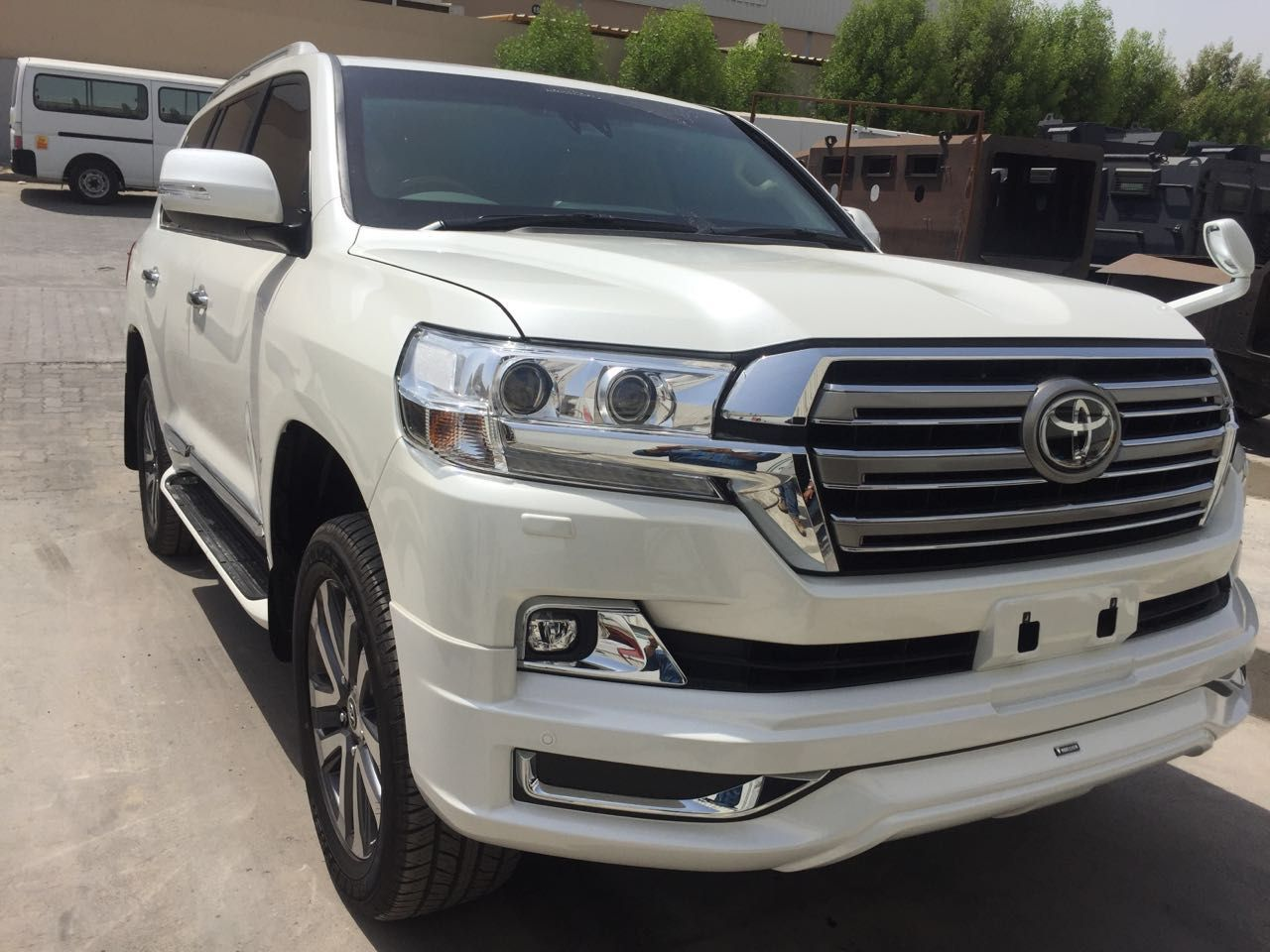 For Sale Top End Option Armored Landcruiser 4 6l V8 With All Features Land Cruiser Toyota Land Cruiser Armored Vehicles