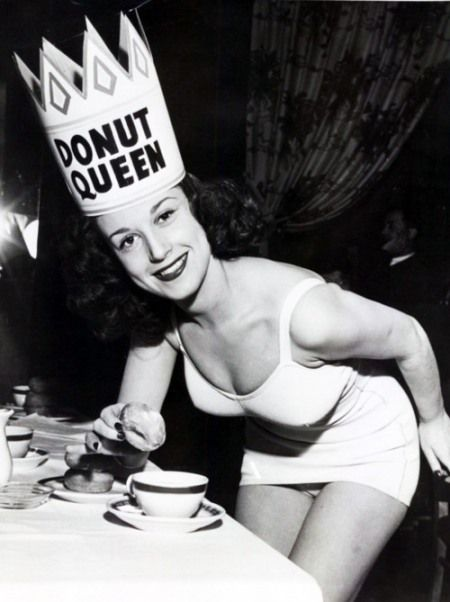 Donut Queen | happy National Donut Day!!