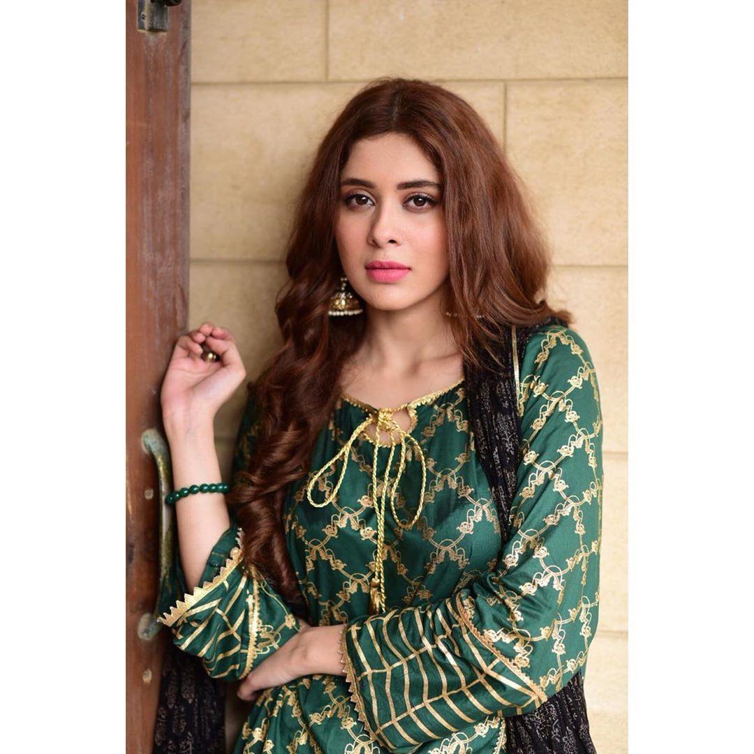 Gorgeous Actress Azekah Daniel Clicks Stylish Dress Designs Pakistani Dresses Casual Stylish Dresses