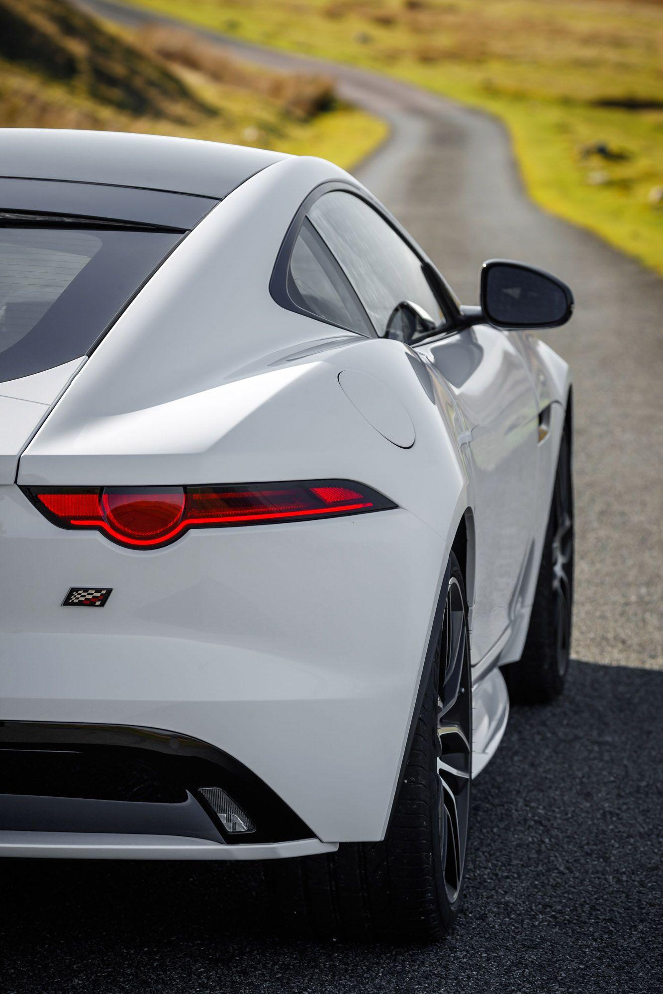 Jaguar Proudly Unveils F Type Chequered Flag Edition Model Affordable Sports Cars Jaguar F Type Jaguar Car