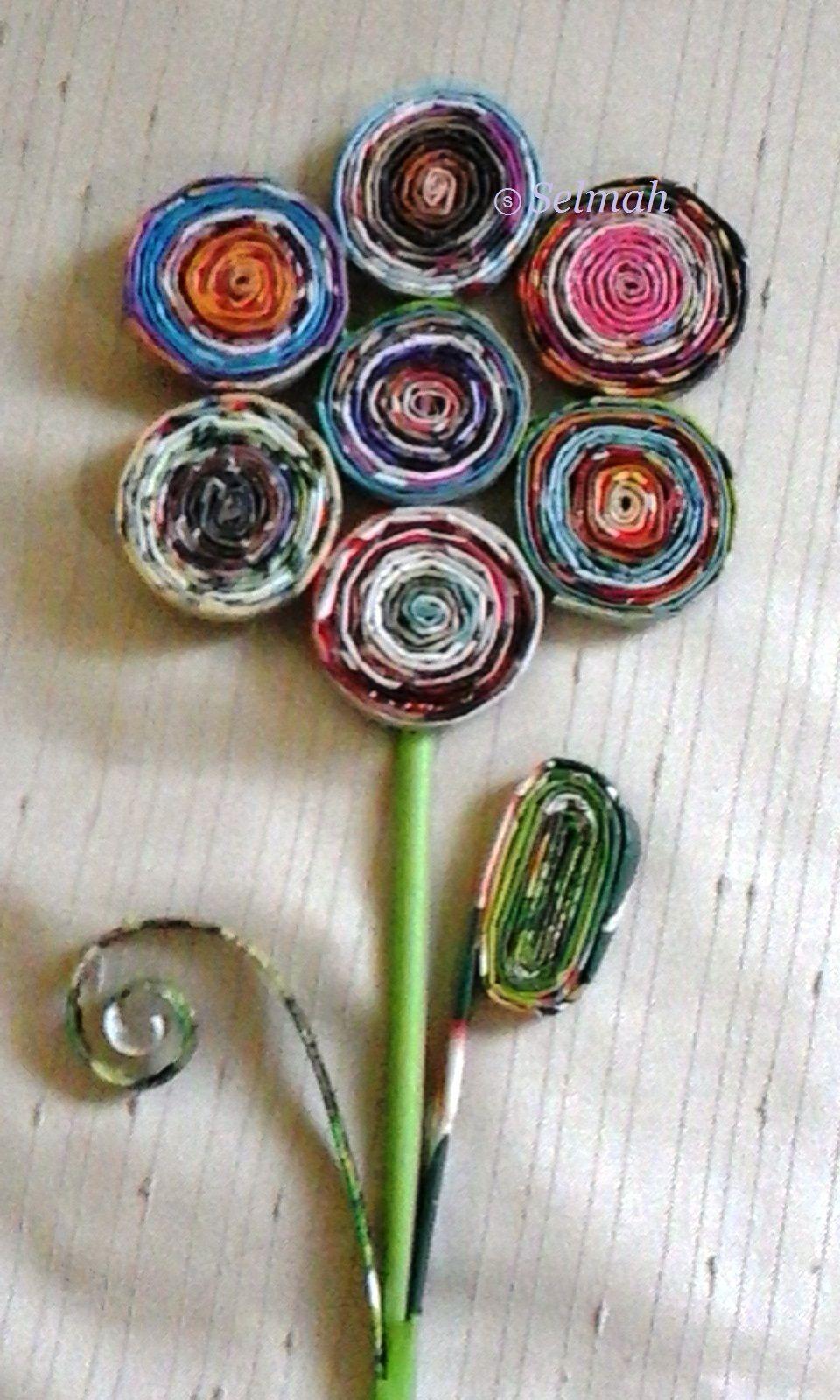 Flor De Canudos De Papel Feitos Com Folhas De Revistas Coloridas