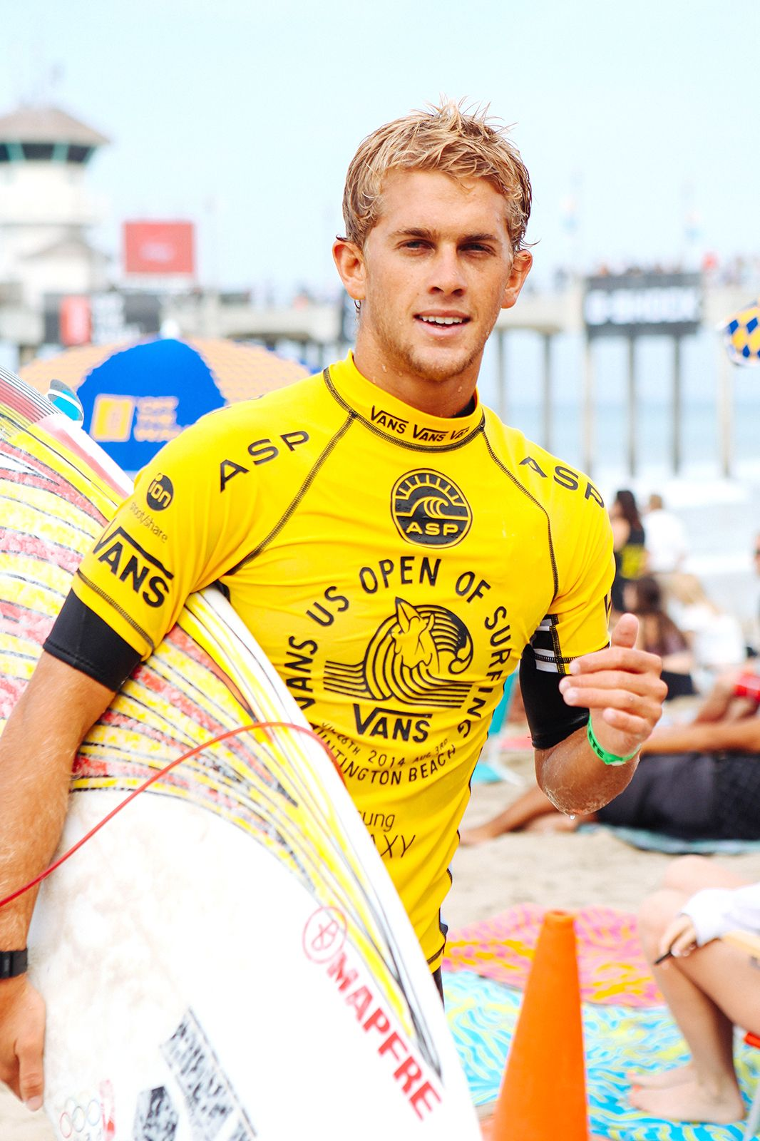 9c8a5d6a2a 14 gorgeous surfers you should probably be dating