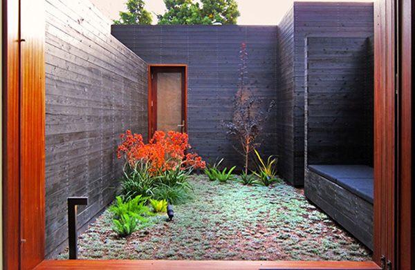 Inspire Me Monday: Sebastian Mariscal's Garden-Bedecked Venice Retreat