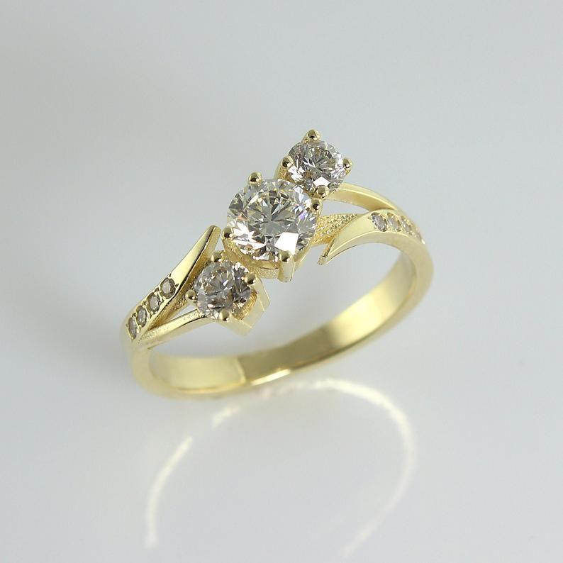3 Diamonds Engagement Ring Diamond Wedding Rings For Women Unique Diamonds Ring 3 Stone Ring April Birthstone Ring Diamond Birthstone In 2020 Unique Engagement Rings 14k Gold Engagement Ring Unique Diamond Rings